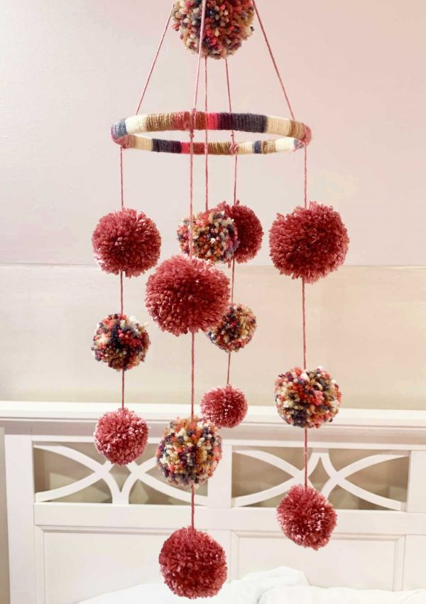 How to make the CUTEST pom pom Mobile