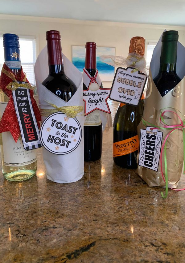 5 Fun Holiday Wine Tags -Free!